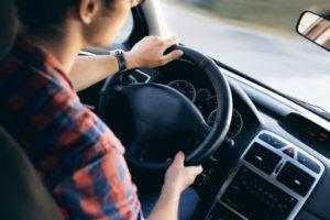 Przedmiotem wkładu do spółki jawnej może być np. prawo własności samochodu.